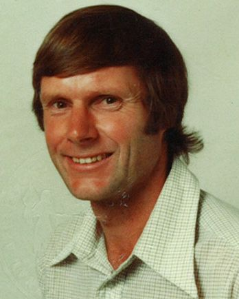 Richard 1983 Passport